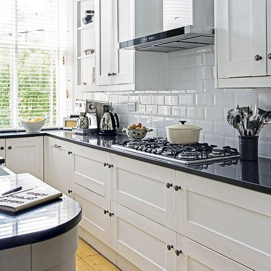 White-kitchen-with-black-worktop.jpg
