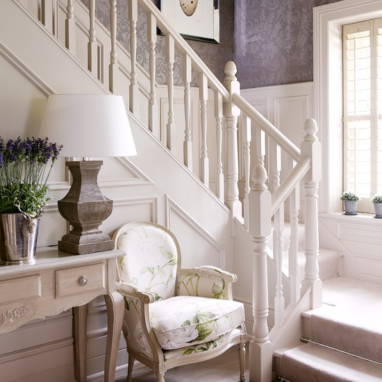 White-panelled-Hallway-Country-Homes-and-Interiors-Housetohome.jpg