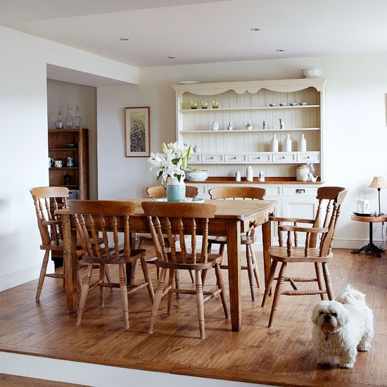 Wood-rich-country-dinign-room---Country---Country-Homes--Interiors.jpg