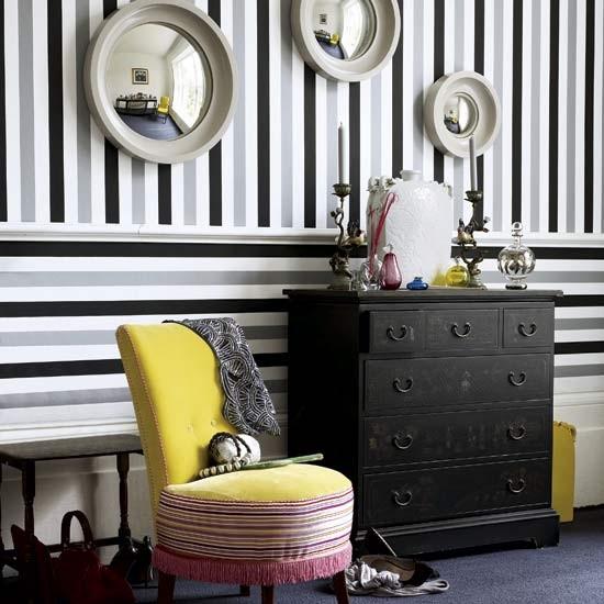 stripes-hallway_20140629082746a7f.jpg
