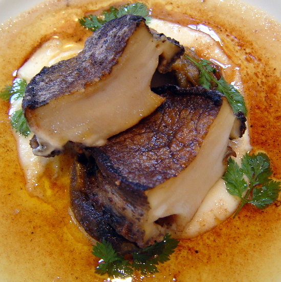 鳥羽産、アワビのステーキ