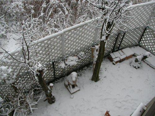 20140214・7:20庭の雪