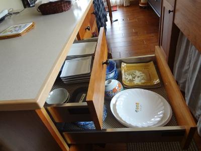 引き出しが食器収納