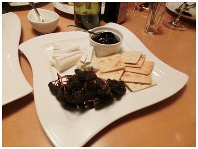 260517ワインの会5(干しぶどうやチーズ)