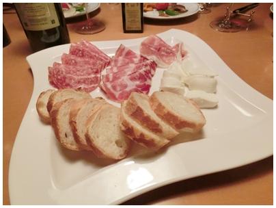 260517ワインの会5(生ハムやチーズ)