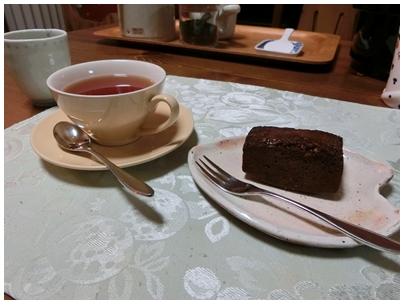 ⑦紅茶とケーキ