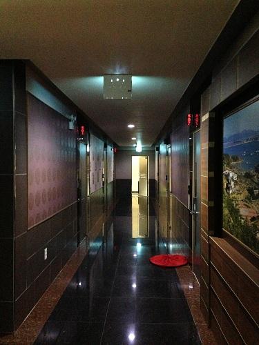F-1ホテル廊下
