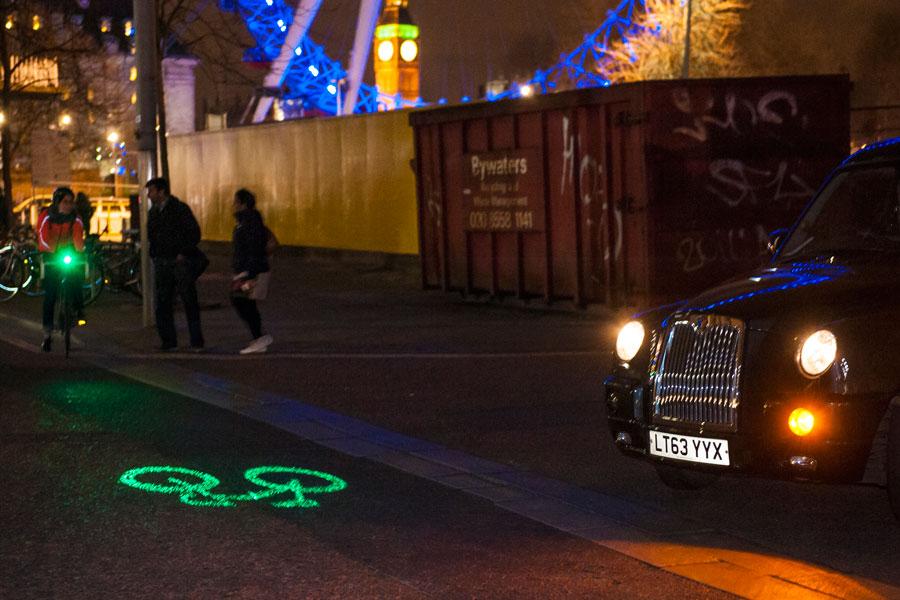 自転車の 自転車 交通法規 問題 : 自転車用セーフティライトBLAZE ...