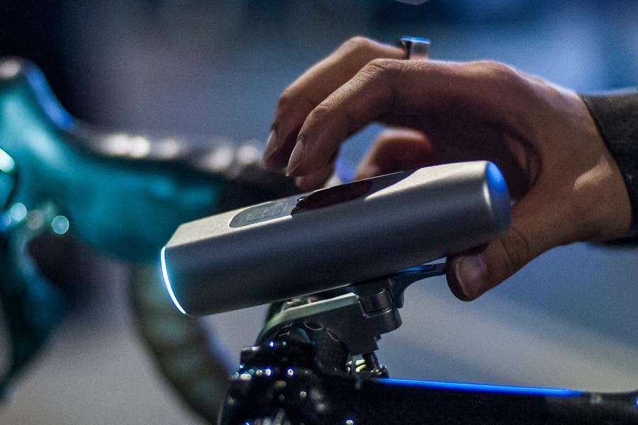 自転車の 自転車 交通法規 問題 : Blaze Bike Laser Light