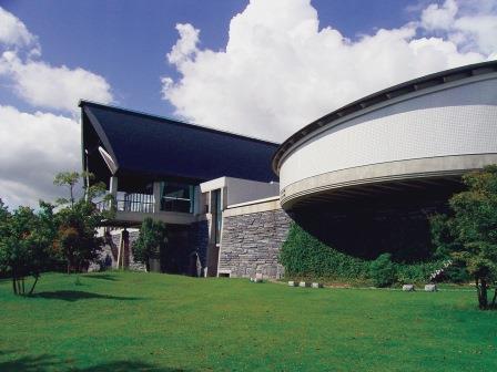 愛媛県歴史文化博物館外観2