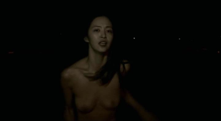 【受難】岩佐真悠子の濡れ場&素晴らしい(?)ヌード!走り暗、正規(?)両方の乳首が正面