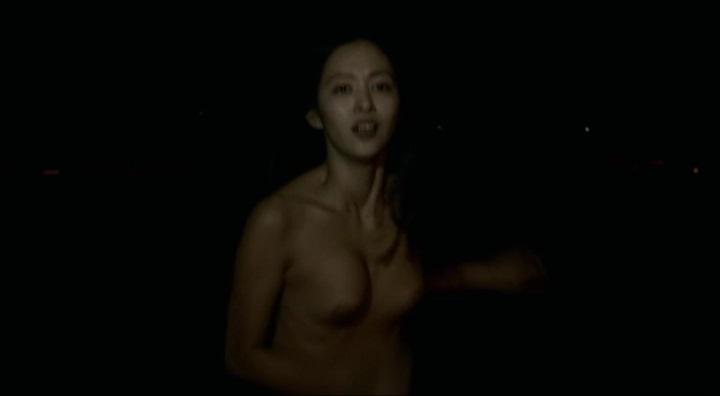 【受難】岩佐真悠子の濡れ場&素晴らしい(?)ヌード!走り暗、正規(?)両方の乳首が右寄り
