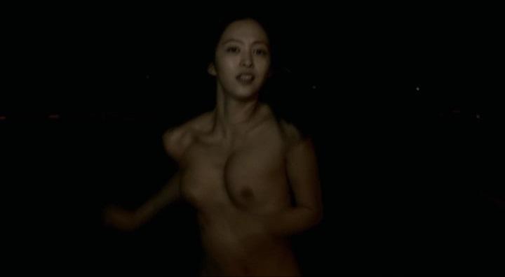 【受難】岩佐真悠子の濡れ場&素晴らしい(?)ヌード!走り暗、正規(?)両方の乳首が左寄り