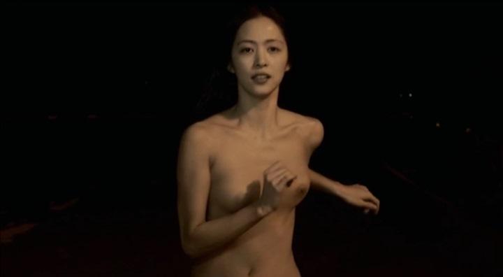 【受難】岩佐真悠子の濡れ場&素晴らしい(?)ヌード!走り明、左の乳首左寄り
