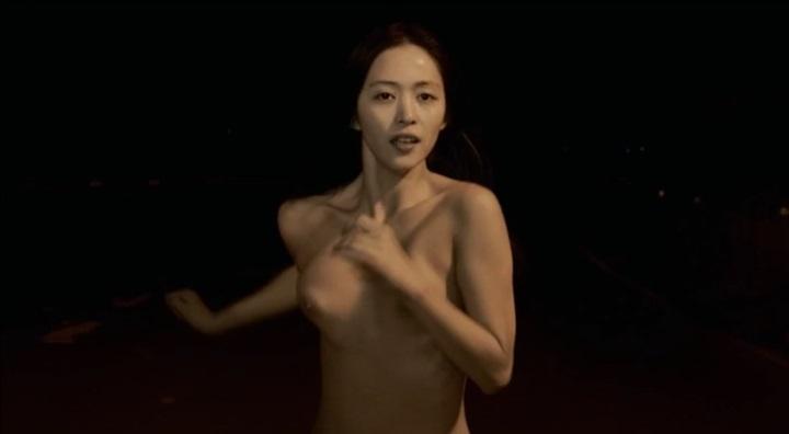 【受難】岩佐真悠子の濡れ場&素晴らしい(?)ヌード!走り明、右乳首、右寄り