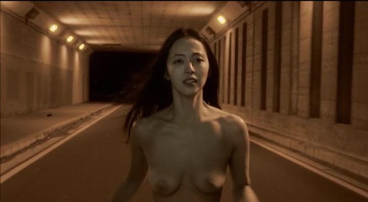 【受難】岩佐真悠子の濡れ場&素晴らしい(?)ヌード!走り明、アップで暗いが両乳首正面