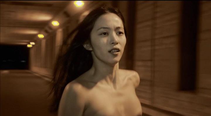 【受難】岩佐真悠子の濡れ場&素晴らしい(?)ヌード!走り明、正面から後ろへスイッチ