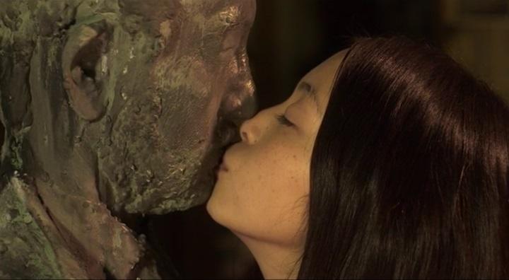【受難】岩佐真悠子の濡れ場&素晴らしい(?)ヌード!銅像に為った古賀にキスする岩佐真悠子
