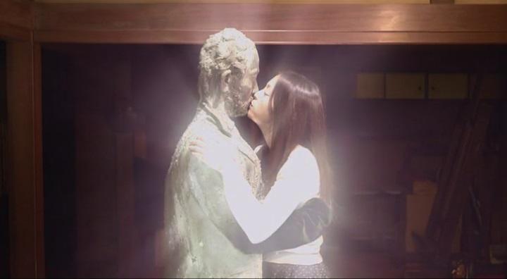 【受難】岩佐真悠子の濡れ場&素晴らしい(?)ヌード!銅像に為った古賀にキスすると周りが…