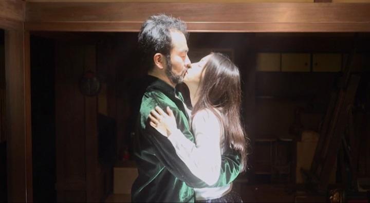 【受難】岩佐真悠子の濡れ場&素晴らしい(?)ヌード!人間に戻った古賀にキスする岩佐真悠子