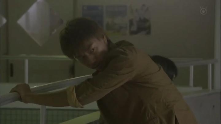 2代目【GTO】第2部第2話、2部で体を張って生徒を守った鬼塚