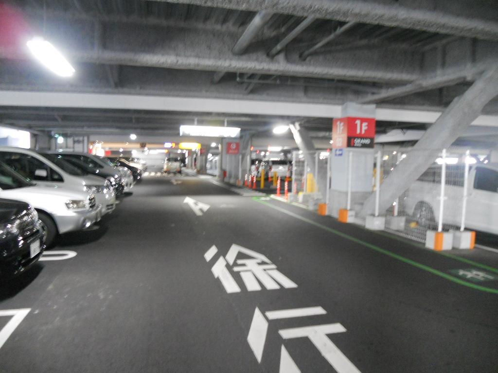 イオン幕張新都心でGモール車椅子専用駐車場の入り方、専用スペース(登録用)入り口手前