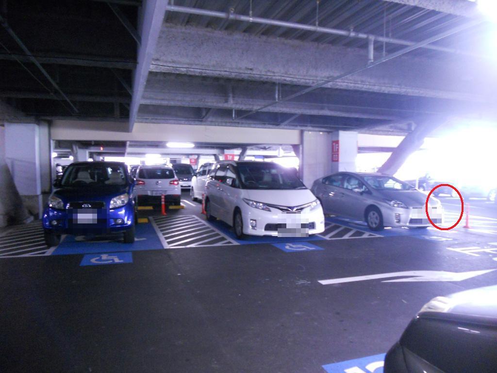 イオン幕張新都心でGモール車椅子専用駐車場の入り方、左側運転席専用