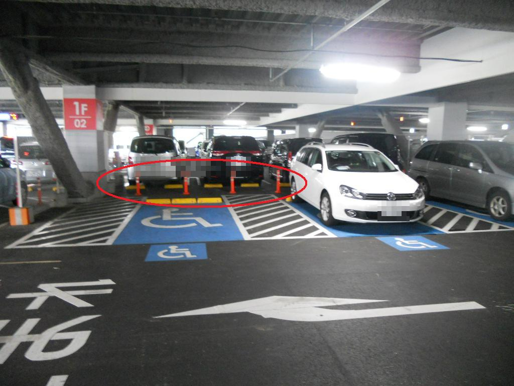 イオン幕張新都心でGモール車椅子専用駐車場の入り方、この辺からは出られない