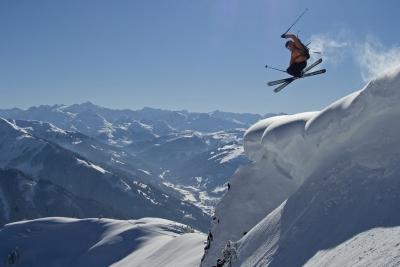 スキー 飛ぶ