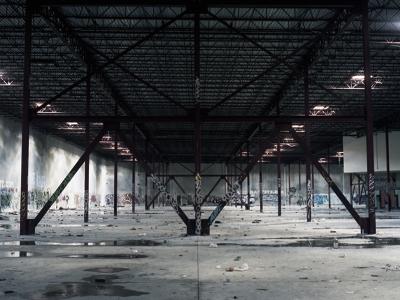 倉庫 陰湿