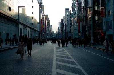 街 人の流れ
