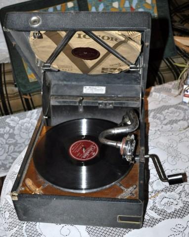 アナログレコード 蓄音機