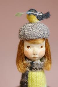 春をよぶとり・きいろセーター2