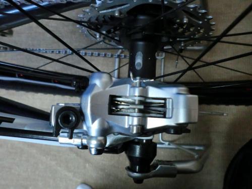 油圧ディスクブレーキのセンタリング調整・1