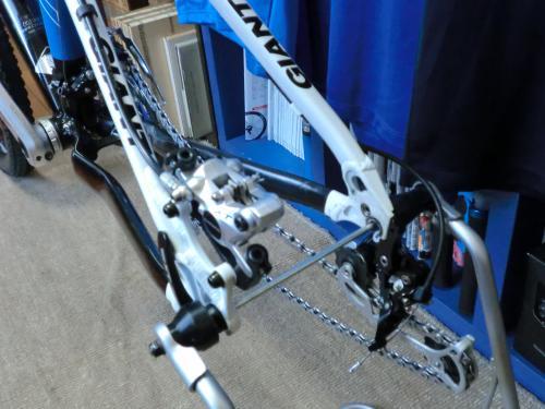 油圧ディスクブレーキのセンタリング調整・3