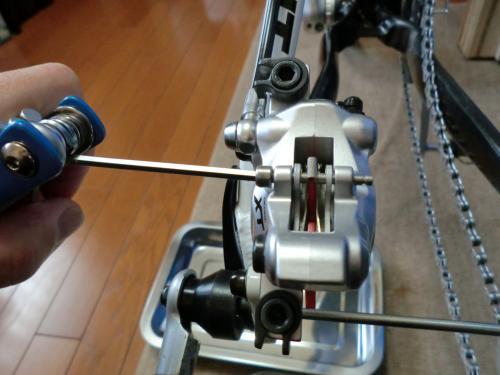油圧ディスクブレーキのセンタリング調整・5