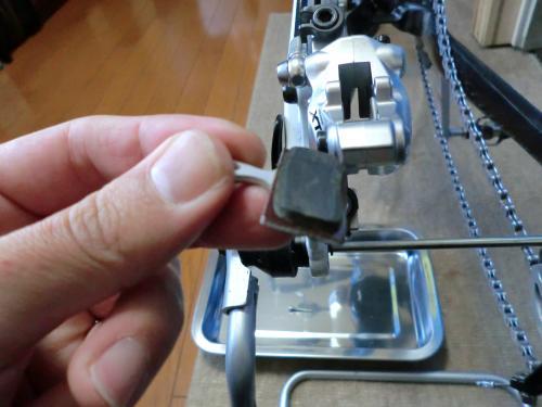 油圧ディスクブレーキのセンタリング調整・7