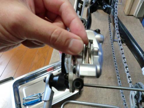 油圧ディスクブレーキのセンタリング調整・12