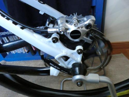 油圧ディスクブレーキのセンタリング調整・18