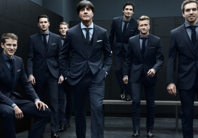 W杯ドイツ代表スーツが日本発売!ドイツ代表かっこいい!日本人には似合うのか…|サカにゅブログ