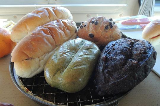 102朝食のパン