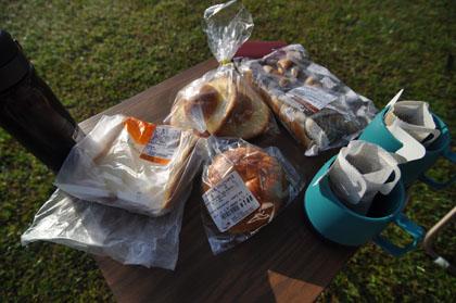 402河原で朝食