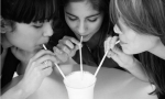 Girls-Sharing-Milkshake-008.jpg