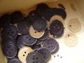 ナンフェア ココア色の紙のボタン