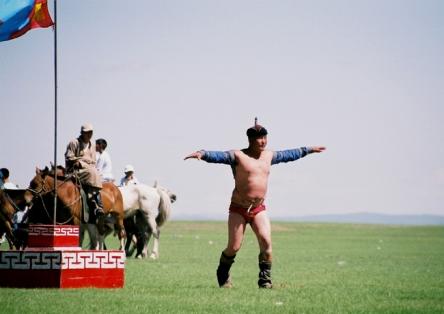 モンゴルでモンゴル相撲が見たい!
