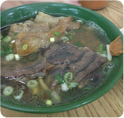 林東芳牛肉麵半肉