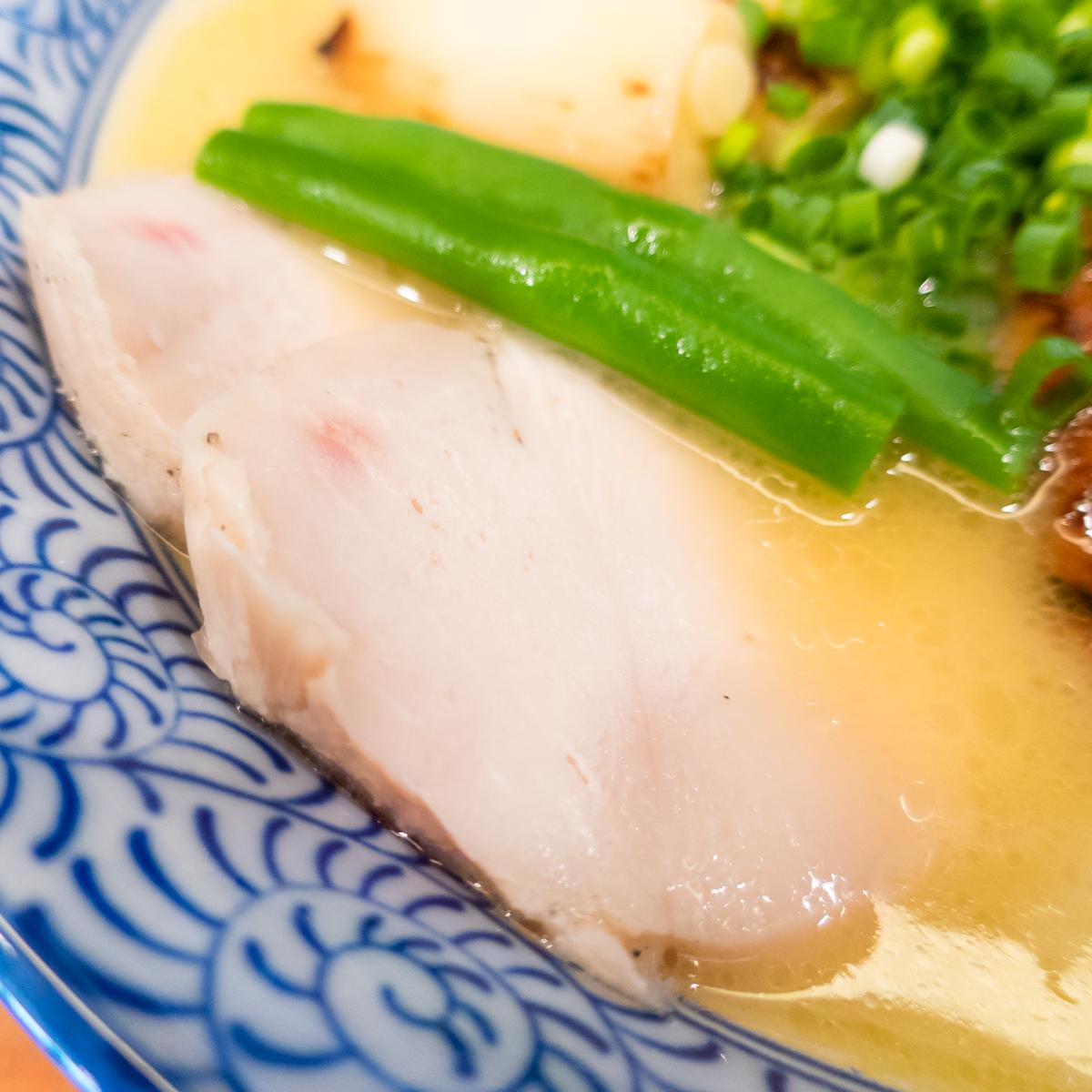 友・濃厚鶏塩らーめん「鶏づくし」(2)