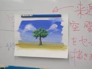 アニメ背景空溶と木