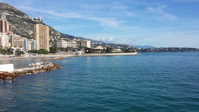 モナコの海岸