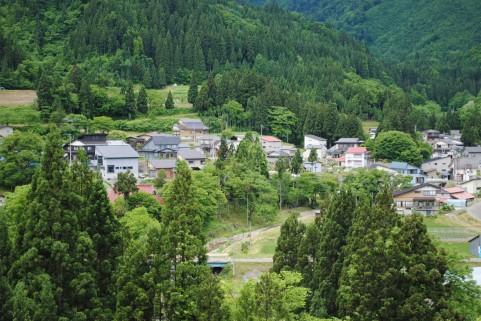 【少子高齢化】 日本全国の6割の地域 2050年には人口半分以下に...2割は住民ゼロに